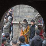 Scores of devotees visit Nepal\'s Pashupatinath temple on Mahashivaratri
