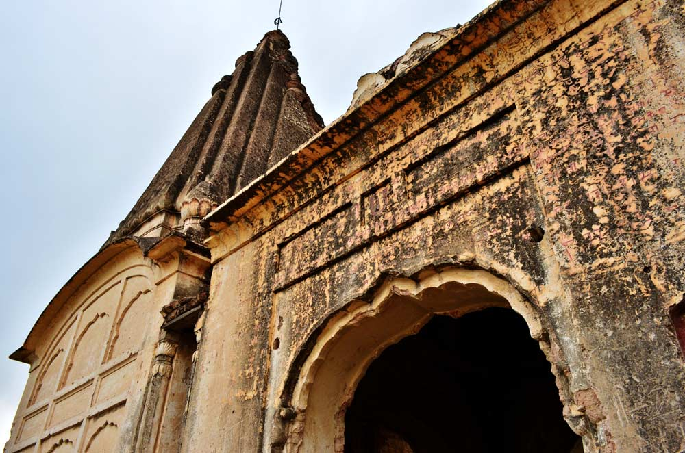 An ancient Hindu temple on the bank of Indus in Makhad